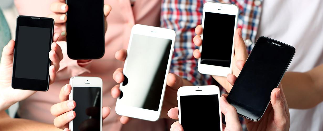 Apple y Samsung planean hacer teléfonos de gama media más potentes